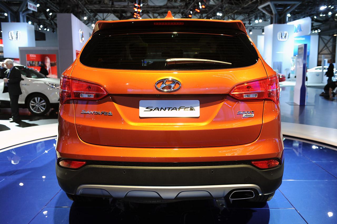 Hyundai Keeps It Fluidic!